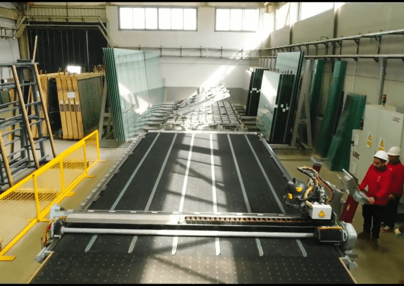 CUTTING GLASS LINE